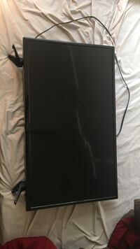"""Cracked """"Insignia Brand TV"""" 32in Fort Hood, 76544"""