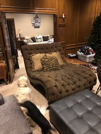 Brown and black tufted ottoman Plano, 75023