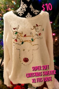 Super Soft Christmas Sweater XL fits loose  Lubbock, 79424