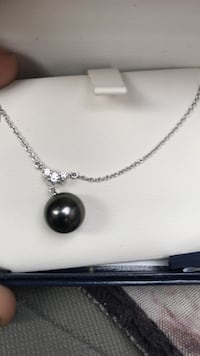 Real pearl and diamonds 14k silver