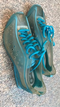Good condition shoes with heel 3152 km