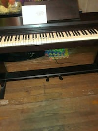 Roland digital piano 88 key obo keyboard with stand in good condition