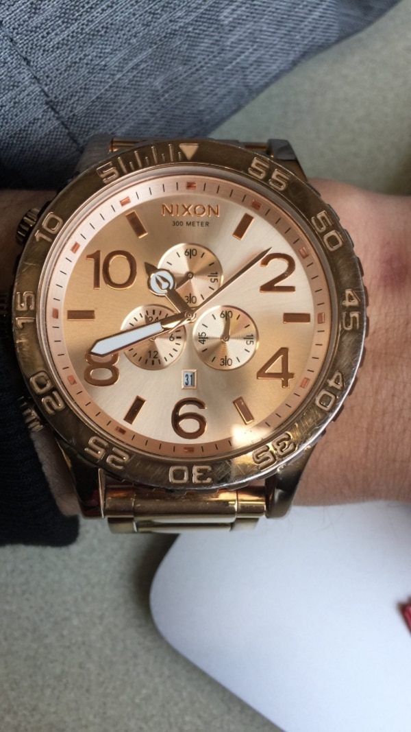 6b3200b557945 Used Nixon 51-50 rose gold. Used and needs new battery for sale in ...