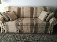 Retro Couch with high density foam Mississauga, L5G 1C3
