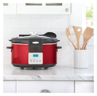 BELLA 5 Quart LINEA Programmable Locking Lid Slow Cooker, Color Red Washington, 20019