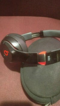 Beats by dr.Dre (solo) wired Surrey, V3W