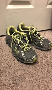 pair of black-and-yellow running shoes Las Vegas, 89178