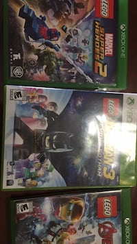 two Xbox 360 game cases South Bend, 46619