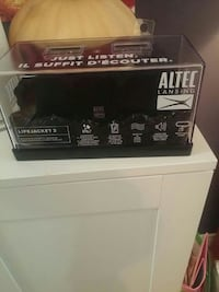 Altec lansing life jacket 2