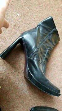 Boots (high heels) St. Catharines, L2M 7Y9