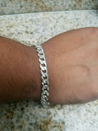 silver-colored chain bracelet Los Angeles