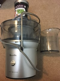 Breville BJE200XL Compact Juice Fountain 700-Watt Juice Extractor Annandale, 22003
