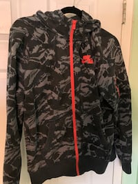 Nike camo sweater for $40 size M Toronto, M2H