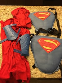 Superman costumes  32 km