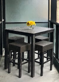 Patio set with 4 stools