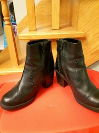 Black Leather Boots size 6 Pickering, L1V 5Y6