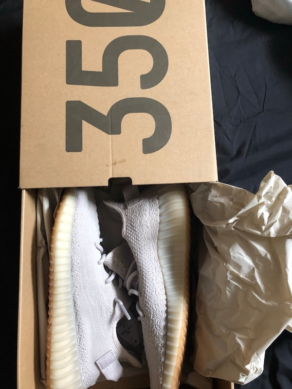 Yeezy boost 350 v2 seasame size 9