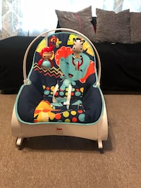 baby's black and white bouncer Suitland, 20746