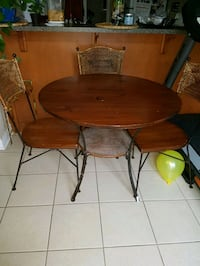 Solid Wood 5 piece dining table Markham