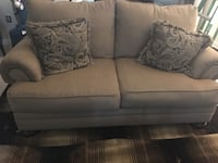 Ashley studded Sofa & Loveseat Clinton, 20735