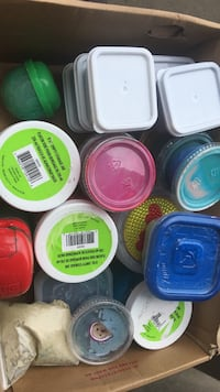 Assorted color plastic food containers 2254 mi