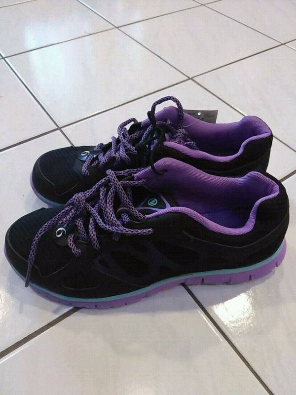 6b991f2f1f58d7 Used Size 6 girls running shoes for sale in Toronto - letgo