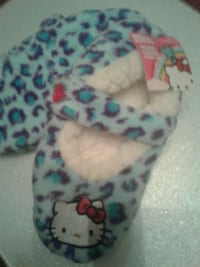 Little Girls Slippers  Size  S/M.  $7.00 Silver Spring, 20904