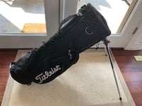 Titleist golf bag with backpack straps (used) Washington, 20011