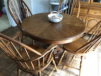 Solid Hardwood Dining set w leaf and hutch Bowie