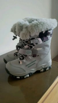 Woman winter boots size 7.5--8 New Westminster, V3M 2J2