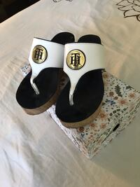 New condition Tommy Hilfiger wedge sandals El Paso, 79938