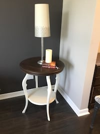 Gorgeous table. Refurbished white from Fusion. Top has been stained. St Catharines, L2P 3L2