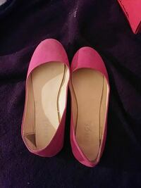 pair of women's pink suede flats Williamson, 14589