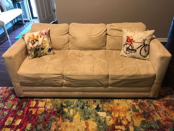 Wondrous Used Couch And Love Seat For Sale Community Yard Sale At Machost Co Dining Chair Design Ideas Machostcouk