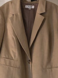 gray notched lapel suit jacket Germantown, 20874