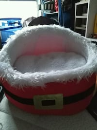 Santa Dog bed Brampton, L6T 3X4