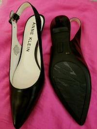 pair of black leather flats Stockton, 95205