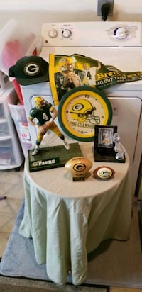 A few green Bay Packers collectibles  Red Lion, 17356
