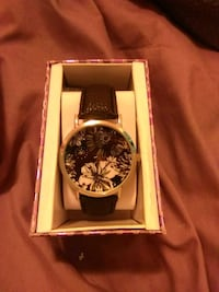 round silver chronograph watch with black leather strap Omaha, 68111