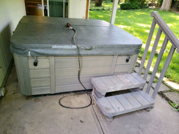 Used Tiger River 2008 4 Person Hot Tub For Sale In Dayton