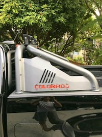 Colorado off road sport bar with off road lights Vancouver