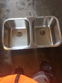 Stainless steel dual bowl sink Innisfil, L9S