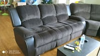 dark brown 3-seat recliner sofa Newcastle, 98056