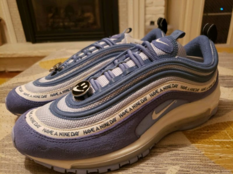 Air Max 97 mens size 9 88709763-39a7-4506-9d11-02c564f449a1