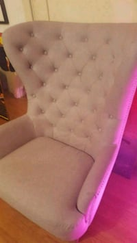 tufted white fabric sofa chair Los Angeles, 90019