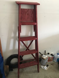 Rustic red ladder (goes well with the red mirror!!) Gaithersburg, 20878