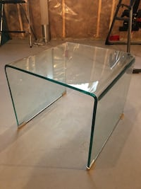Glass accent table  Sylvan Lake, T4S