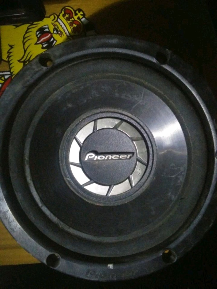 Photo 10 inch pioneer subwoofer