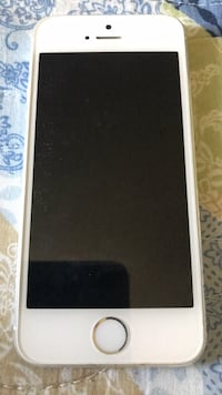 AT&T IPhone 5s silver excellent condition Leesburg, 20175