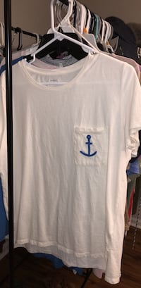 white and blue crew-neck shirt Columbus, 31909